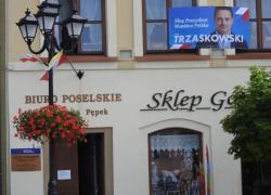 Trzaskowski przeznaczył 2 miliony dla agentki SB inwigilującej twórcę Ruchu Światło-Życie. Była wiceprzewodnicząca zespołu parlamentarnego członków i sympatyków Ruchu nie odpowiada na pytania Redakcji