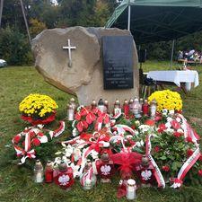 Skandal w Żywcu. Pomnik przy Skwerze NSZ zdewastowany?
